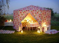 what a beautiful tent!