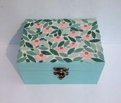 Mosaic Art, Mosaic Glass, Mosaic Flowers, Idee Diy, Decoration, Art Forms, Decorative Boxes, Creations, Ceramics