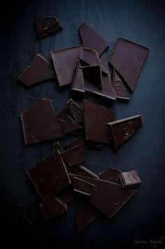 Chocolate Hair, Chocolate Dreams, Dark Chocolate Bar, Death By Chocolate, Chocolate Brownies, Chocolate Lovers, Chocolate Recipes, Theobroma Cacao, Chocolates