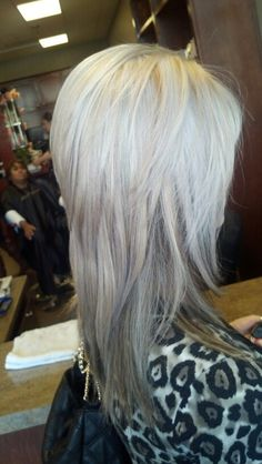Platinum hair with short layers