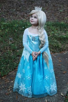 Elsa Costume.  I bet this will be Jalee's next years costume!!  She loves the movies Frozen!!!