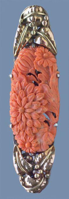 DORRIE NOSSITER Brooch coral