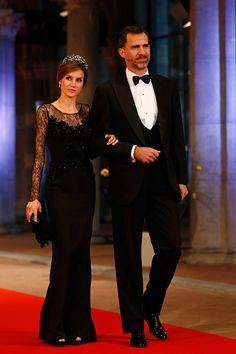 Princess  Letizia of Spain #BestDressed at the gala dinner William & Maxima of the Netherlands