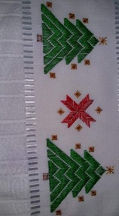 Gabriella Cressa's media content and analytics Hardanger Embroidery, Hand Embroidery Patterns, Diy Embroidery, Embroidery Stitches, Cross Stitch Patterns, Embroidery Designs, Christmas Coasters, Cross Stitch Tree, Swedish Weaving