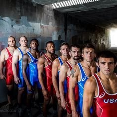 An awesome shot of out freestyle World Team! Thanks to JenG Photos! via usawrestling Wrestling Senior Pictures, College Wrestling, Wrestling Quotes, Wrestling Posters, Men's Wrestling, Wrestling Singlet, Cheer Team Pictures, Football Pictures, Team Photos