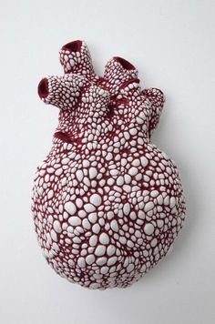 """turecepcja: """"Art by Juz Kitson Juz Kitson was born in Sydney in 1987. She studied ceramics at the National Art School, Sydney and graduated with First Class Honours in 2009. Kitson has exhibited regularly since 2005 in solo and group exhibitions..."""
