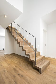 Interior Stairs, Home Interior Design, Interior And Exterior, Railing Design, Staircase Design, Redo Stairs, Bathroom Vanity Makeover, Staircase Railings, Stairs Architecture