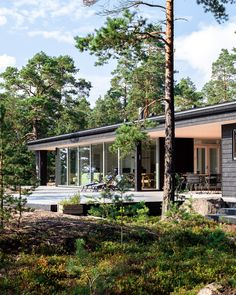 Summer house with a sea view in Porvoo, Finland. Summer Cabins, Small Beach Houses, Modern Lake House, Permanent Vacation, Shed Homes, Barn Homes, Weekend House, Holiday Apartments, Cabins In The Woods