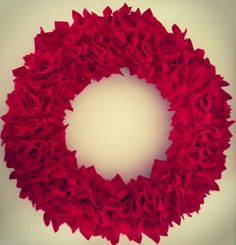 making it feel like home: Felt Wreath