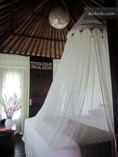 Serene bedroom. Wayan Sueta's. Abiansemal.