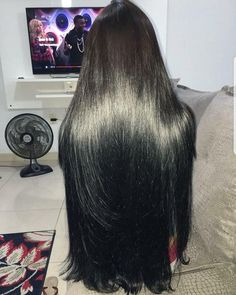 25 African American Hairstyles To Get You Noticed in 2019 - Style My Hairs Long Silky Hair, Long Dark Hair, Super Long Hair, Long Layered Hair, Beautiful Long Hair, Gorgeous Hair, Amazing Hair, Twist Hairstyles, Straight Hairstyles
