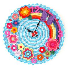 Anna found this adorable crocheted clock. Free pattern! Who's gonna make it? Ravelry: Crochet O'clock pattern by Matt Farci