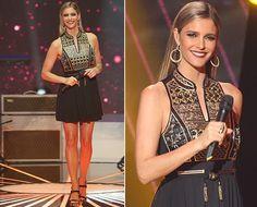 Luxo asiático! Fernanda Lima usa vestido de grife francesa cheio de bordados de fios dourados ♥