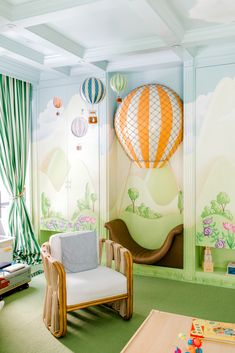 The most whimsical of nursery ideas for your baby girl nursery or baby boy nursery! The Tot founder Nasiba Adilova takes us inside her hot air balloon nursery. Click through to tour the unique nursery space! Baby Boys, Baby Boy Rooms, Baby Boy Nurseries, Baby Bedroom, Nursery Room, Girl Nursery, Nursery Decor, Nursery Ideas, Whimsical Nursery