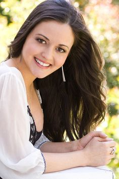 "Danica McKellar, actress ""The Wonder Years"" + appearances in ""Big Bang Theory"" and ""How I Met Your Mother"" (Alpha Chi chapter, UCLA) Winnie Cooper, Danica Mckellar, Kristin Kreuk, Celebrity Look, Celebs, Celebrities, Up Girl, Beautiful Actresses, Girl Crushes"