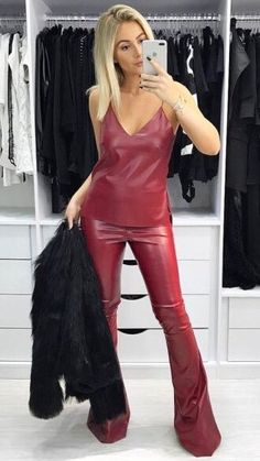 I would love to wear that Sexy Outfits, Pretty Outfits, Fall Outfits, Leather Pants Outfit, Leather Dresses, Baggy Jeans Damen, Sexy Women, Look Fashion, Womens Fashion
