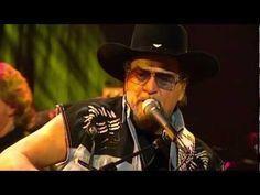 "Waylon Jennings - ""Closing In On The Fire"" - YouTube"