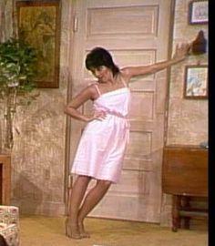 Joyce DeWitt Three's Company, Kirsten Dunst, Classic Tv, Legs, Summer Dresses, Stars, Beauty, Fashion, Moda