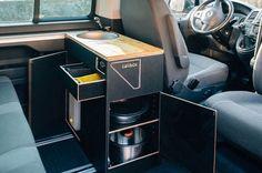 Kitchen module behind the driver's seat of the VW California Beach - Van Life Bus Camper, Kombi Motorhome, Airstream Campers, Mini Camper, Camper Life, Vw T5, T3 Vw, Volkswagen, Interior Trailer