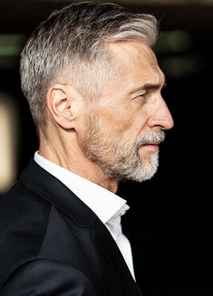 Best Haircuts For Older Men, Older Mens Hairstyles, Silver Foxes Men, Shaved Hair Cuts, Before And After Haircut, Handsome Older Men, Tapered Haircut, Grey Beards, Short Beard