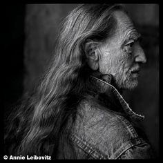 one of my fav pics by annie lebowitz willie nelson