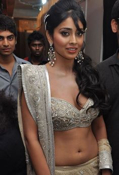 Shriya Saran Hot Navel Show