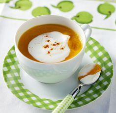 Μια πολύ αρωματική και γευστική σούπα για τις κρύες νύχτες του χειμώνα, αλλά και ένα πολύ νόστιμο πιάτο για να ανοίξετε ένα κυριακάτικο ή γιορτινό τραπέζι με φίλους.