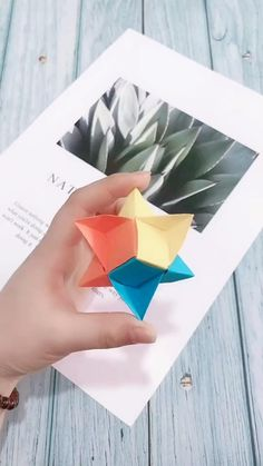 Instruções Origami, Origami And Kirigami, Paper Crafts Origami, Modular Origami, Origami Ideas, Origami 3d Star, Origami Design, Cool Paper Crafts, Diy Arts And Crafts