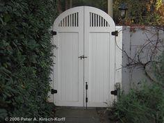 Google Image Result for http://www.kirsch-korff.com/Assets/images/gate4_entry_cottage_wooden_pasadena.jpg