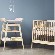Optez pour ce lit et cette table à langer Linea création Leander. http://www.wombconcept.com/fr/39_leander