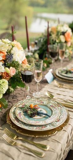 Wedding Decor Inspiration - 8 fabulous table settings by Junebugs Real Weddings Library Photo of L H Elegant Table Settings, Beautiful Table Settings, Wedding Table Settings, Place Settings, Vintage Table Settings, Table Wedding, Garden Wedding, Wedding Reception, Elegant Dining