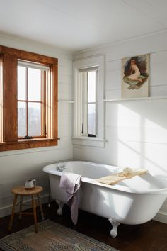 9 Rustic Bathroom Design With Modern and Elegant Combination Bad Inspiration, Bathroom Inspiration, Bathroom Ideas, Bathroom Designs, Bathroom Tubs, Relaxing Bathroom, Master Bathroom, Funky Bathroom, Bathroom Canvas