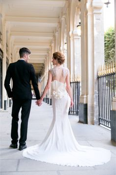 Paris Elopement | One and Only Paris Photography | http://burnettsboards.com/2013/12/candlelit-parisian-elopement/