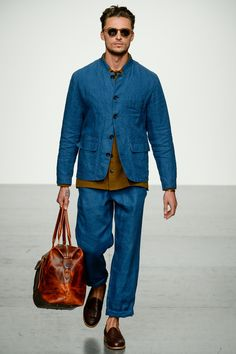 Oliver Spencer Spring 2018 Menswear Fashion Show Oliver Spencer Spring 2018 Menswear Collection Photos – Vogue Mens Clothing Trends, Mens Trends, London Fashion Week Mens, Latest Mens Fashion, Vogue Paris, Oliver Spencer, Spring Fashion Trends, Fashion Show Collection, Stylish Men