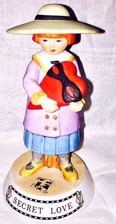 Mary Engelbreit 1986-1987 Secret Love Figurine Heart Limited Run RARE