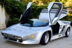 Aeromotive Engineering: 2100-Mile 1993 Vector W8