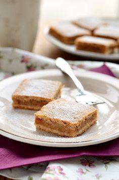 Teljes kiőrlésű almás pite - Kifőztük, online gasztromagazin Vegan Christmas Desserts, Fall Desserts, Yummy Snacks, Snack Recipes, Dessert Recipes, Diet Recipes, Healthy Cake, Healthy Desserts, Healthy Food