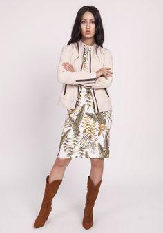 Dopasowana kurtka na zamek, delikatna stójka, długie rękawy zakończone mankietami, na mankietach zamek, podszewka,dopasowany krój Spandex, High Neck Dress, Coat, Model, Sweaters, Jackets, Dresses, Products, Fashion