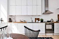 Biała, przytulna kuchnia w różnych stylach - Myhome