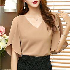 Chiffon shirt short sleeve 2018 summer new Korean fashion sexy V-neck temperament loose ruffled wild top