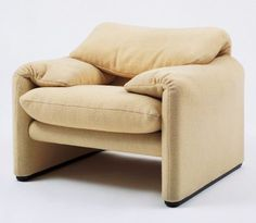 Vico Magistretti Maralunga Lounge Chair