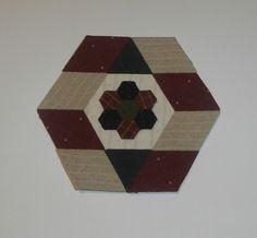 Hexagonos y rombos hechos con nuestro producto Templatesquick ®™ REF: TI21H TI21R  y TI50H (Los rombos doblados es  la figura del triangulo)
