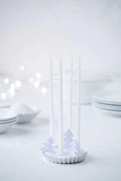 White Christmas by Ólöf Jakobsdóttir Christmas Mood, Noel Christmas, Christmas Candles, Modern Christmas, Scandinavian Christmas, Christmas Colors, Christmas And New Year, All Things Christmas, Christmas Ideas