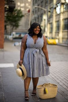 Musings of a Curvy Lady, Plus Size Fashion, Fashion Blogger, Style Blogger, Eloquii, XOQ, Gingham Print Dress, Boater Hat, Straw Hat, Straw Tote, Manhattan Bridge, Brooklyn, New York, Jacksonville, Orlando, Tampa, Miami, Florida, The Outfit, Style Hunter, StyleWatch Magazine, Women's Fashion, Summer Outfit