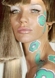 hippie makeup 496873771389576250 - Model Muse: Veruschka Source by Patti Hansen, 1960s Makeup, Vintage Makeup, Retro Makeup, Lauren Hutton, Sixties Hair, Mode Disco, Hippie Makeup, 60s And 70s Fashion