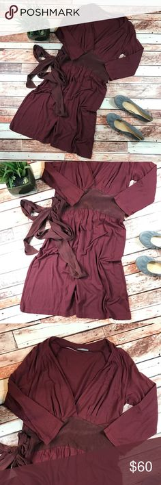 James Perse maroon cotton blend waist tie dress Size 3, fits a large. In excellent condition, no flaws! Super soft! Has a silk waist tie for a faux wrap dress look! Length-40, bust-18 pit to pit waist-15.5 straight across ***NO modeling or trades!! ::206 James Perse Dresses