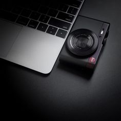 "One Pixel Unlimited on Instagram: ""Leica C - 📸 #Leica T + Leica Elmarit 35mm - - - #leicacamera #desksetup #apple #fotododia #setupinspiration #minimalist #minimalism #travel…"""