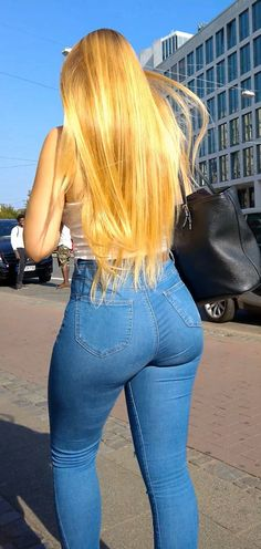 Superenge Jeans, Skinny Jeans, Pernas Sexy, Curvy Girl Outfits, Best Jeans, Girls Jeans, Sexy Hot Girls, Stylish Girl, Curvy Fashion