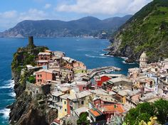 Looking for a long weekend guide to Cinque Terre, Italy? We have answers for what to do, where to stay, and where the best places to eat (and drink) are!