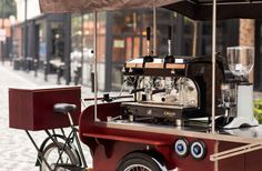 Most popular mobile machine for sellin coffee in Europe#gastrobike #icecreambike #gelatobike #eisfahrrad #veloglace #coffeebike #juicebike #jggastro #coffee #bike #streetfood #icecream #grillbike #hotdogbike More info on www.gastro-bike.com